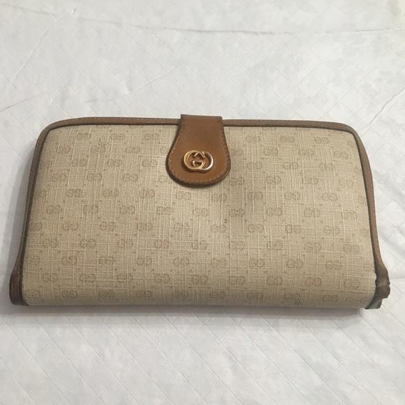 Vintage Gucci Tan Tri-fold Wallet